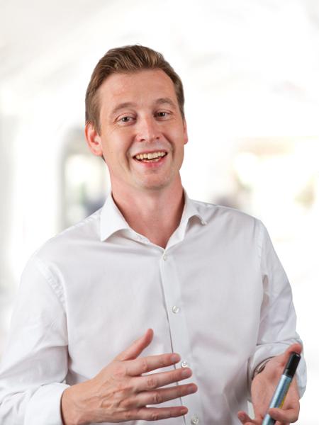 Magnus H Johansson, författare och föreläsare